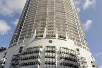 Home for Sale at 1750 N Bayshore Dr #2504, Miami FL 33132