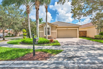 Home for Rent at 4128 SapPHire Ter, Weston FL 33331
