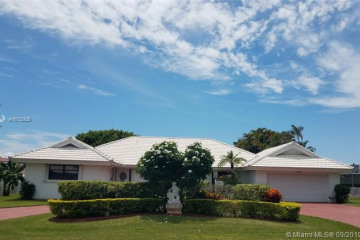 Home for Rent at 6880 Winged Foot Dr, Unincorporated Dade Count FL 33015