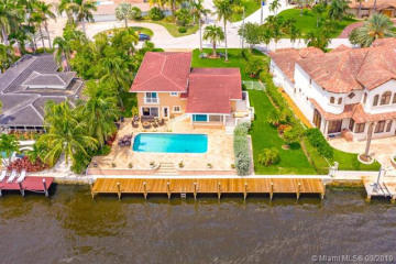 Home for Sale at 2722 SE 9th St, Pompano Beach FL 33062