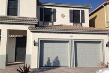 Home for Rent at 644 NE 191st St, Miami FL 33179