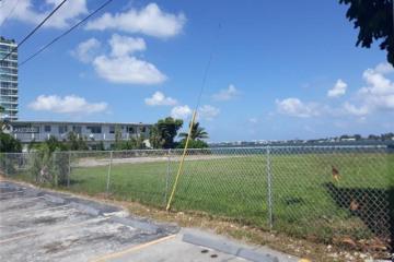 Home for Sale at Harbor Island East Dr, North Bay Village FL 33141