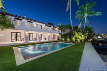 Home for Sale at 5401 Pine Tree Dr, Miami Beach FL 33140