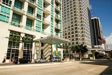 Home for Sale at 300 S Biscayne Blvd #L-1002, Miami FL 33131