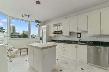 Home for Rent at 300 S Pointe Dr #606, Miami Beach FL 33139