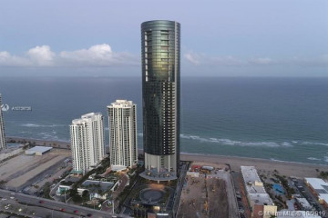 Home for Sale at 18555 Collins Ave #3205, Sunny Isles Beach FL 33160