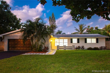 Home for Sale at 920 Renmar Dr, Plantation FL 33317