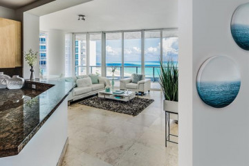 Home for Rent at 100 S Pointe Dr #2208, Miami Beach FL 33139