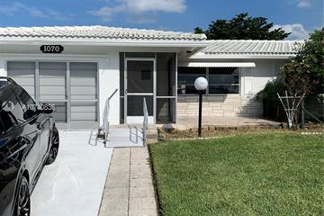 Home for Sale at 1070 NW 89th Ave, Plantation FL 33322