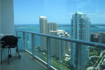 Home for Sale at 300 S Biscayne Blvd #T-3304, Miami FL 33131