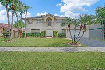 Home for Rent at 14201 Appalachian Trl, Davie FL 33325
