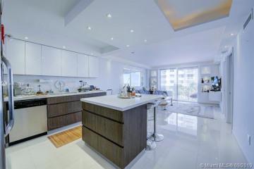Home for Sale at 345 Ocean Dr #319, Miami Beach FL 33139