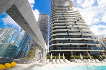 Home for Rent at 55 SW 9th St #4201, Miami FL 33130