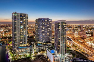 Home for Sale at 92 SW 3rd St #2303, Miami FL 33130