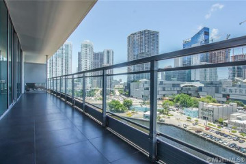 Home for Sale at 92 SW 3rd St #1203, Miami FL 33130