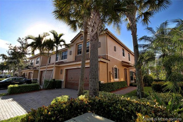 Home for Sale at 10869 NW 74th Dr, Parkland FL 33076