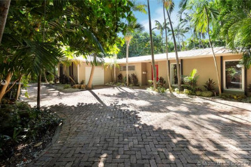 Home for Sale at 3630 Poinciana Ave, Coconut Grove FL 33133