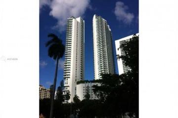 Home for Sale at 1900 N Bayshore Dr #5004, Miami FL 33132