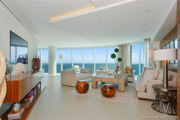 Home for Sale at 2711 S Ocean Dr #2005, Hollywood FL 33019