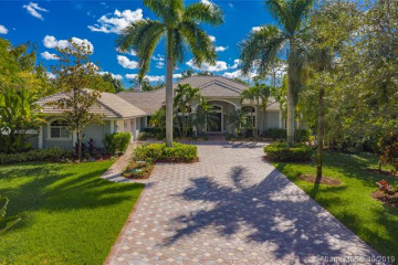 Home for Sale at 6186 NW 63rd Way, Parkland FL 33067