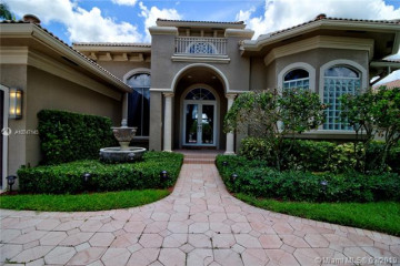 Home for Rent at 11075 Blue Palm St, Plantation FL 33324