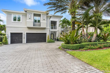 Home for Sale at 121 Peregrine Ave, Plantation FL 33324
