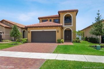 Home for Sale at 5108 NW 48th Ln, Tamarac FL 33319