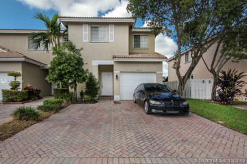Home for Sale at 4019 NW 92nd Ave, Sunrise FL 33351