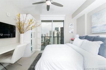 Home for Rent at 79 SW 12th St #3412-S, Miami FL 33130