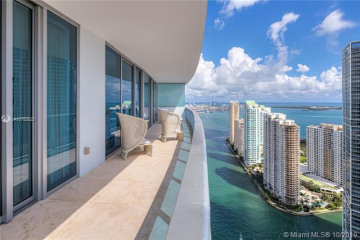Home for Sale at 200 Biscayne Boulevard Way #4802, Miami FL 33131