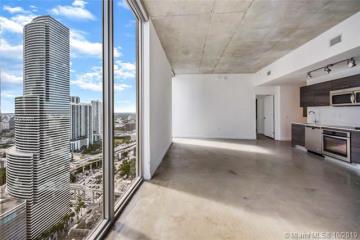 Home for Sale at 151 SE 1st St #3201, Miami FL 33131