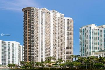 Home for Sale at 901 Brickell Key Blvd #2906, Miami FL 33131