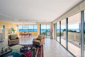 Home for Sale at 2 Grove Isle Dr #B602, Miami FL 33133