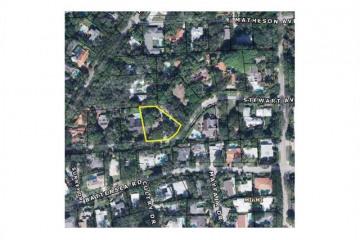Home for Sale at 3829 Stewart Av, Coconut Grove FL 33133