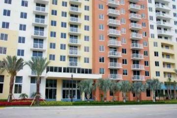 Home for Sale at 18800 NE 29th Avenue #430-e #430-E, Aventura FL 33180