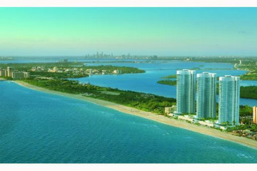 Home for Sale at 16001 Collins Ave #1104 #1104, Sunny Isles Beach FL 33160