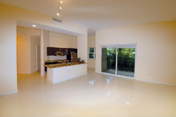 Home for Sale at 20000 E Country Club Dr #101 #101, Aventura FL 33180