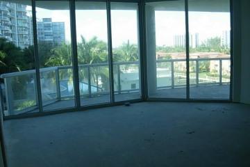 Home for Sale at 3131 NE 188 St #1-604 #1-604, Aventura FL 33160