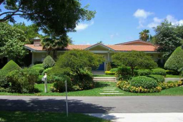Home for Sale at Key Biscayne Detached, Key Biscayne FL 33149