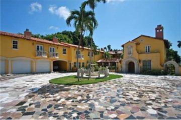 Home for Sale at Miami Beach Attached, Miami Beach FL 33139