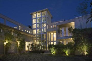 Home for Sale at Miami Beach Attached, Miami Beach FL 33141