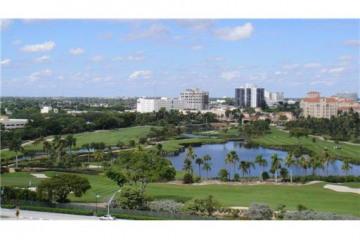 Home for Sale at Aventura Condo/co-op/villa/townhouse, Aventura FL 33180
