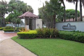 Home for Sale at Miami Condo/co-op/villa/townhouse, Miami FL 33143