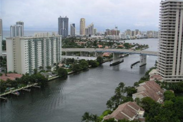 Home for Sale at 19667 Turnberry Wy #27b, Aventura FL 33180