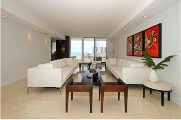 Home for Sale at Key Biscayne Condo/co-op/villa/townhouse, Key Biscayne FL 33149