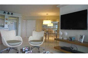 Home for Sale at Miami Beach Condo/co-op/villa/townhouse, Miami Beach FL 33141