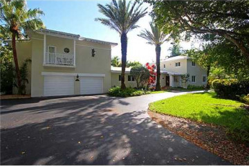 Home for Sale at 1516 Garcia Av, Coral Gables FL 33146