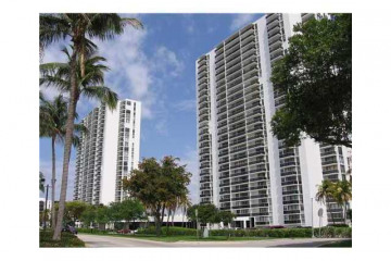 Home for Sale at 3675 N Country Club Dr #1503, Aventura FL 33180