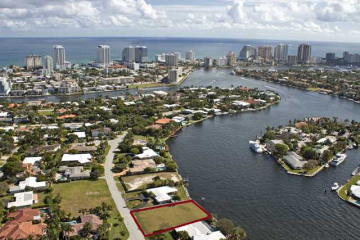 Home for Sale at 701 Middle River Drive, Fort Lauderdale FL 33304