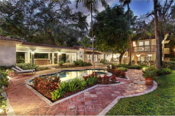 Home for Sale at 2900 Natoma St, Coconut Grove FL 33133